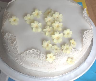 wedding cake primrose smalll